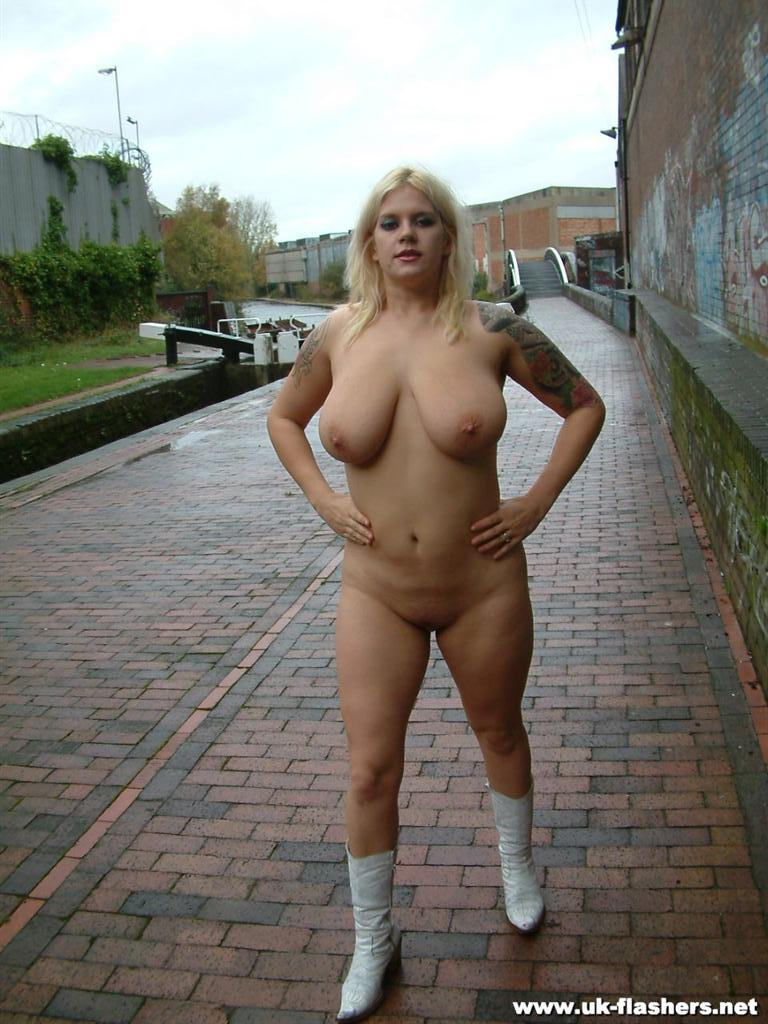 Busty Blonde Amateur Babes Public Nudity And Nude Outdoor
